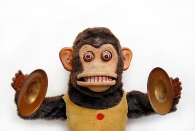 windup-monkey-at-organ-grinder-pizza-21397377